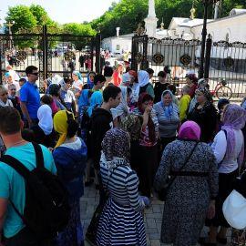 Паломники в Святогорье Паломничество. Поездка в Святогорскую Лавру. 27 мая 2012 г.