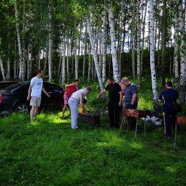 Мужчины на кухне - идеальный отдых для дам! Отдых на природе духовных чад отца Виктора 26 мая 2013 г.