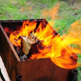 Угли для шашлыка на подходе Отдых на природе духовных чад отца Виктора 26 мая 2013 г.