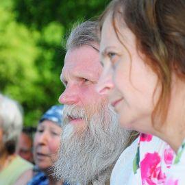 Отец Виктор и матушка Вера Отдых на природе духовных чад отца Виктора 26 мая 2013 г.