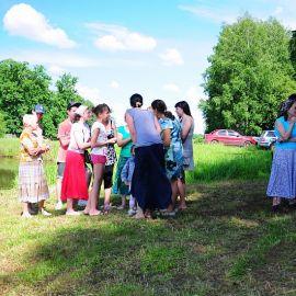 Подготовка к очередному конкурсному заданию Отдых на природе духовных чад отца Виктора 26 мая 2013 г.