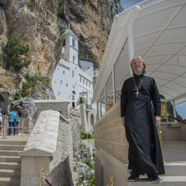 Посетил батюшка и самую известную святыню Черногории - монастырь Острог Паломническая поездка отца Виктора в Черногорию. 10-24 июля 2016 г.
