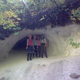 Дети с удовольствием и по горам полазили Свято-Успенская Святогорская Лавра. Осень 2010