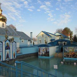 Источник святой праведной Анны славится исцеляющей силой Паломническая поездка в Почаевскую лавру на Новый 2017 год
