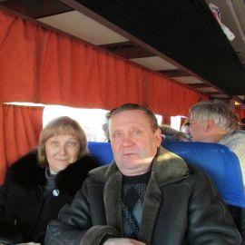 Некоторые духовные чада батюшки Виктора не пропустили ни одной поездки в Почаевскую лавру под его руководством Паломническая поездка в Почаевскую лавру на Новый 2017 год
