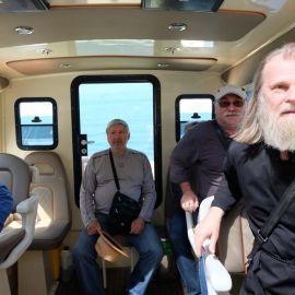 Между некоторыми монастырями паломники перемещаются на катере Фотоотчет из поездки на Афон 2017