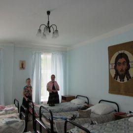 Нехитрый быт паломников. Гостиница Новодевичьего монастыря Паломническая поездка к святыням Санкт-Петербурга