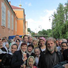 2,5 часа в очереди пролетели незаметно Паломническая поездка к святыням Санкт-Петербурга