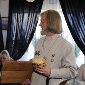 Второе место - куличу Празднование Пасхи и презентация новой книги отца Виктора. 09.04.2018 г.