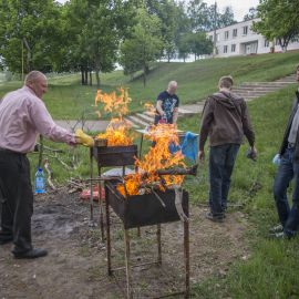 И огненное шоу в придачу Выезд на природу духовных чад отца Виктора. 13.05.2018 г.