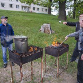 А у нас - цеха кулинаров-кашеваров Выезд на природу духовных чад отца Виктора. 13.05.2018 г.