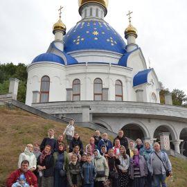 Помолясь на литургии и осмотрев храмы монастыря, можно и фото на память сделать! Выезд на природу, 4.09.2021 г.