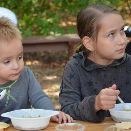 Довольные едоки - лучший комплимент кашеварам Выезд на природу, 4.09.2021 г.
