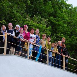 Ученики Воскресной школы Паломничество. Поездка в Святогорскую Лавру. 27 мая 2012 г.
