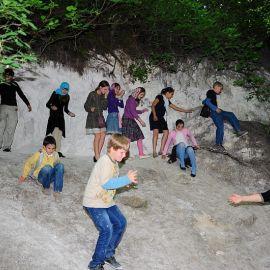 Наконец, всех ребят удалось выудить Паломничество. Поездка в Святогорскую Лавру. 27 мая 2012 г.