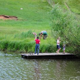 Юные рыбаки тут же взялись за снасти Отдых на природе духовных чад отца Виктора 26 мая 2013 г.