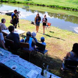 Девочки из ансамбля «Благовест» спели любимую песню батюшки Отдых на природе духовных чад отца Виктора 26 мая 2013 г.