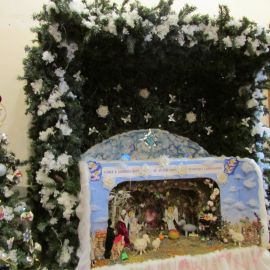 """""""Слава в вышних Богу, и на земли мир, в человецех благоволение"""", - слова великого славословия на рождественском вертепе Паломническая поездка в Почаевскую лавру на Новый 2017 год"""