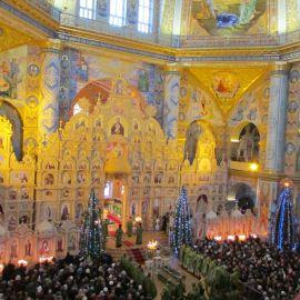 Архиерейская служба в Свято-Успенской Почаевской лавре 1 января 2017 года, в день памяти Амфилохия Почаевского Паломническая поездка в Почаевскую лавру на Новый 2017 год