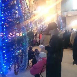 Каждый год батюшка приезжает в монастырь с сотней-другой записок от тех, кто не смог поехать в паломничество Паломническая поездка в Почаевскую лавру на Новый 2017 год