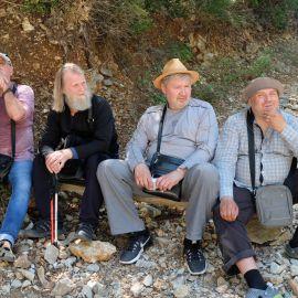 Паломники на привале Фотоотчет из поездки на Афон 2017