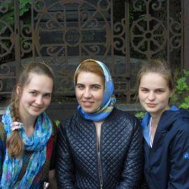 Паломницы на Смоленском кладбище Паломническая поездка к святыням Санкт-Петербурга